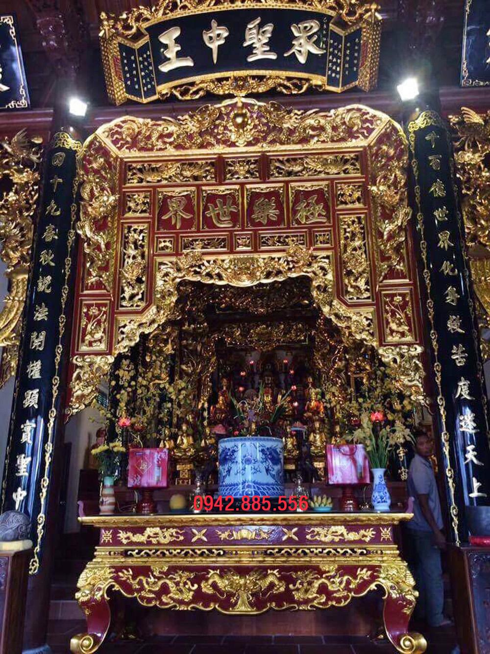 Gian thờ nhà 4 cột