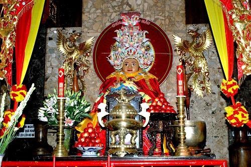 Miếu Bà Chúa Xứ núi San ở An Giang