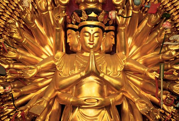 Tượng Phật bà Quan Âm nghìn mắt nghìn tay sơn son thếp vàng